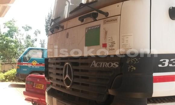 Acheter Voiture Mercedes-Benz 190 Blanc à Kigali en Rwanda