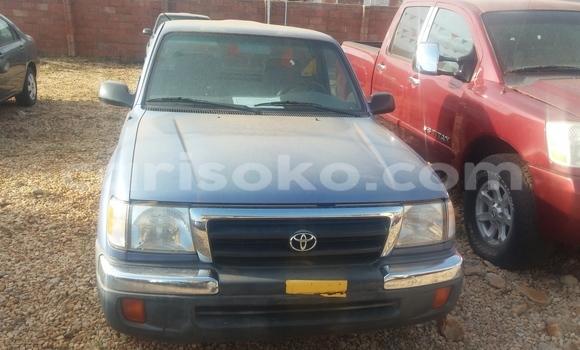 Acheter Voiture Toyota Tacoma Bleu à Kigali en Rwanda