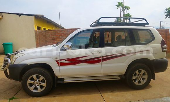Acheter Voiture Toyota Land Cruiser Blanc à Gicumbi en Rwanda
