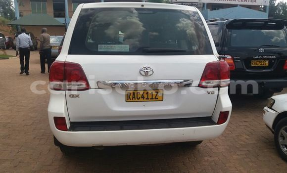 Acheter Voiture Toyota Land Cruiser Blanc à Kigali en Rwanda