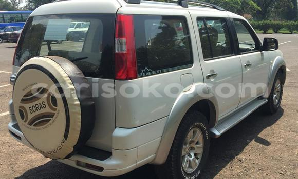 Acheter Voiture Ford Club Wagon Noir à Kigali en Rwanda
