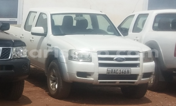 Acheter Voiture Ford Ranger Blanc à Kigali en Rwanda