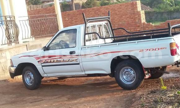 Acheter Utilitaire Toyota LITEACE Blanc à Kigali en Rwanda