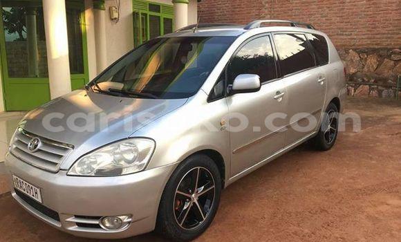 Acheter Voiture Toyota Avensis Gris à Gicumbi en Rwanda