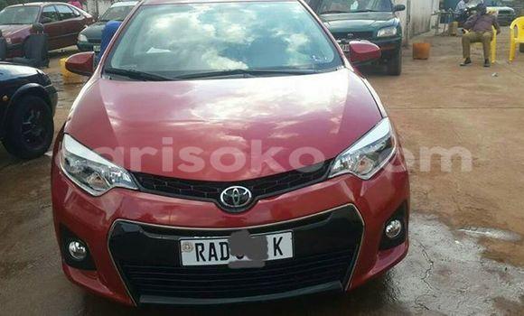Acheter Voiture Toyota Corolla Rouge à Gicumbi en Rwanda
