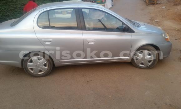 Acheter Voiture Toyota Echo Gris à Kigali en Rwanda